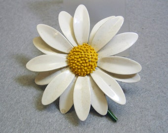 1960s  Daisy Flower Brooch or Pin, White and Yellow, BIG