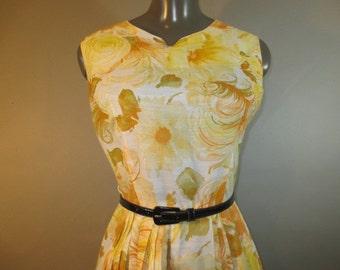 "Sale***Vintage 1960's Summer Dress // Permanent Press Pleated Skirt // Sleeveless // Mid Back Metal Zipper...26"" waist"