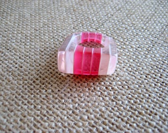 Pink Lucite Laminated Ring Striped Plastic Size 6 1/2