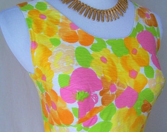 BEAUTIFUL vintage 1960's colorful fit and flare floral French summer dress S