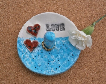 Blue ring dish with hearts and love - Red ceramic jewelry holder - Red or blue ring stand - Pottery jewellery catcher - Clay jewelry bowl