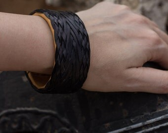 Leather Bangle Bracelet - Braided leather jewelry - Turks Head Knot Leather Bracelet