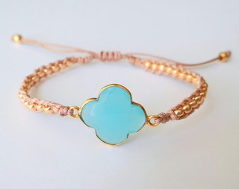 Clover Beaded Bracelet with Gold Beads