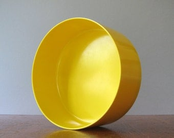 Large Vintage Heller Mod Yellow Plastic Serving Bowl - Vignelli