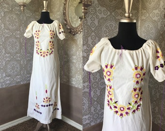 Vintage 1970's White Cotton Ethnic Style Dress with Floral Embroidery Medium