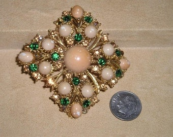Vintage Weiss Green Rhinestone Brooch With Speckled Cabochons 1960's Signed Jewelry 7081