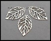5 LEAVES - Silver 23mm Flat Filigree Leaf Charm Pendant - Instant Ship - USA Wholesale Charms - Instant Shipping - 6724