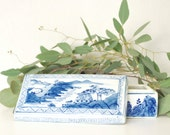 Vintage Blue and White Chinoiserie Box, Blue and White Ceramic, Chinoiserie Ceramic Box, Blue and White Box, Chinoiserie Decor