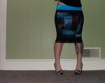 Doctor Who - Lonely Tardis - Pencil Skirt
