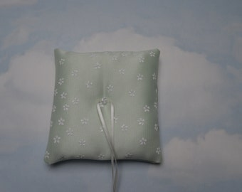 SALE * REDUCED PRICE * Ring cushion. Mint green wedding ring bearer pillow.