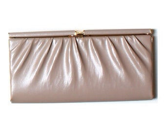 Vintage 80s Salisburys Taupe Brown Faux Leather Clutch Bag