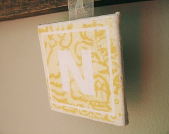 "Yellow Willow Sign ""N"" 2""x2"""