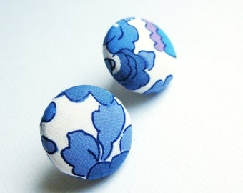 Floral fabric covered button earrings in white, cornflower blue and purple