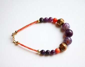 Beaded bracelet in purple, coral and gold, coral beads, lepidolite beads, agate beads