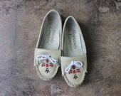 6 1/2 W Southwest Loafers / Vintage Beaded Moccasin Flats / Women's Loafers
