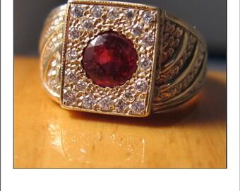 Fine Beautiful Estate 14k Oval Ruby Belcher Mount Ring