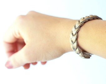 Braided Leather Bracelet / Golden Pearl