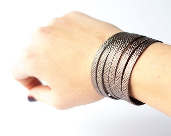 Leather Bracelet / Original Sliced Cuff / Graphite