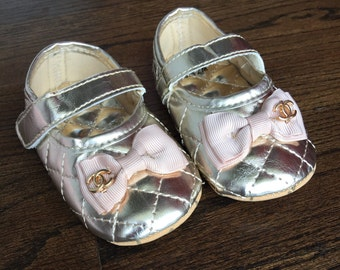 Baby Girl gold Crib Shoes ,infants white and black  baby soft sole shoes