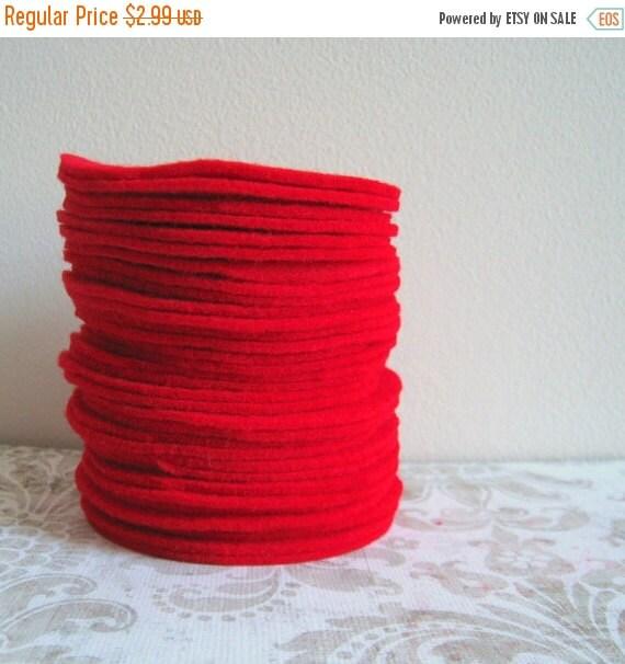 "ON SALE 30 pcs, 3"" Hand cut Fabric Circles - Red Felt"