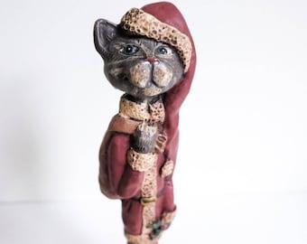 Kurt Adler Christmas Cat with Mouse - Cat in Santa Costume - Comical Skinny Santa Cat Figurine - Christmas Decoration - Gift for Cat Lover