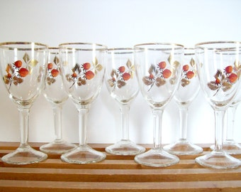 RESERVED.    Vintage Gold Rimmed Wine Glasses, Strawberry Motif with Gold Leaves, Summer Cocktail Glasses, Mid-Century Barware, Goblets