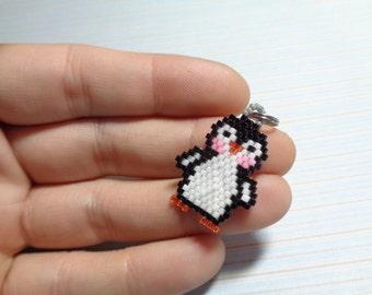 Penguin charm, beaded penguin, penguin keychain, beaded keychain, beaded charm, peyote stitch, beaded charm animal, cute penguin, bird