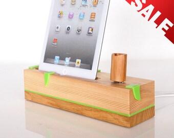 Unique gift - iPad mini / mini 2 / mini 3 / mini 4 charging station - extra USB port - can serve as iPad mini holder / iPad mini stand...