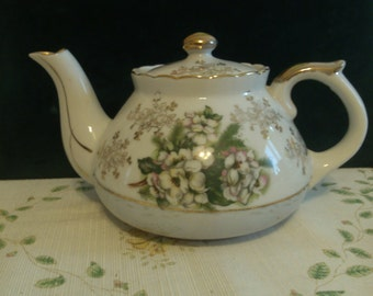 Apnart 5th Ave. Hand Painted Gold and White Teapot