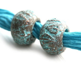 6mm hole Metal Round beads, Leaf ornament, Verdigris patina on copper, metal greek casting beads - 2Pc - F482