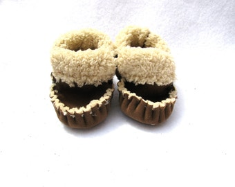 Brown Baby moccasins,TotMocs Sherpa slippers, baby shower gift, slippers Brown shoes, New Baby
