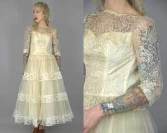 1950s Wedding Dress Ivory Lace Cupcake Tulle Wedding Dress XS