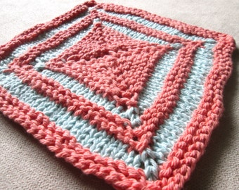 Square Two Color Dishcloth Knitting Pattern, Knit Washcloth Pattern, Concentric Squares, 7 Inch Dishcloth Pattern