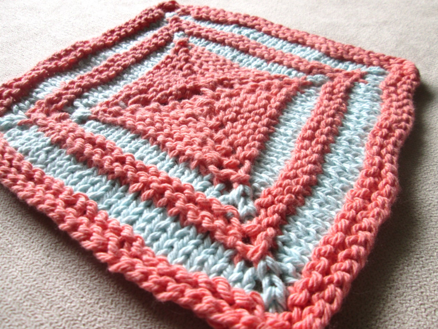 Knit Dishcloth Patterns Two Colors : Square Two Color Dishcloth Knitting Pattern Knit Washcloth