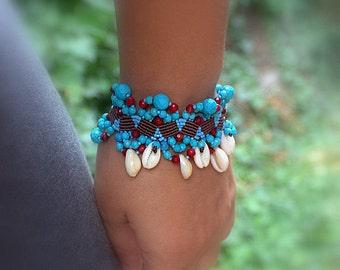 BOHEMIAN / WOMEN / BOHO Macrame Bracelet, Beach Girl, Natural Shells, Miyuki, Red Coral Beads, Waxed Macrame Thread, Beach Jewelry