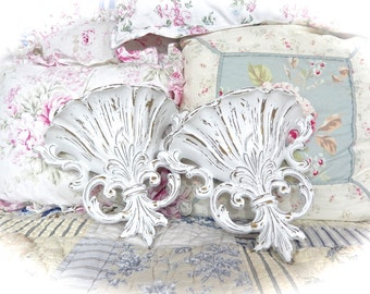 SHABBY Winter White Distressed Wall POCKETS Planters Ornate Scrolled Cottage CHIC Romantic Paris Decor Set of 2