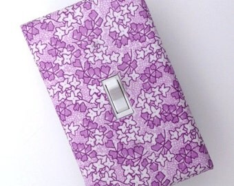 LAST ONE / Lilac Light Switch Plate Cover / Lavender and White / Girls Room / Baby Nursery / Kis Room / Standard Toggle