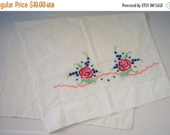 ON SALE Vintage Embroidered Pillow Case One Single