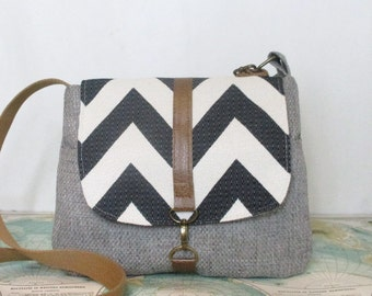 Columbia-- Crossbody messenger bag // Chevron purse // Adjustable strap // Vegan // Travel purse // Grey// Blue // Made to order