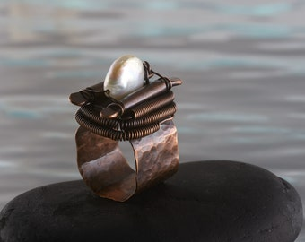 Unique copper ring with a fresh water pearl.