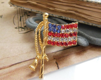 Vintage Red White Blue Rhinestone Gold American Flag Election Brooch Pin TT13