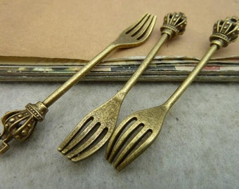 10pcs 7*10*54mm antique bronze crown fork charms pendant C3038
