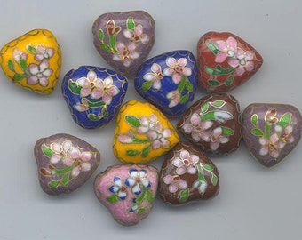 11 vintage Japanese cloisonne beads - floral pattern on different colored background - 17.5 x 7 mm hearts