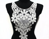 SALE White Crochet Floral Necklace Collar for Fashion Crafts