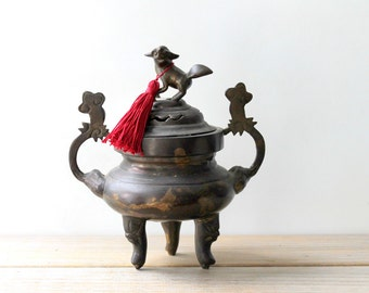 Foo Dog guardian vintage incense burner / Shishi dog / boho home decor / Asian zen style home / rustic metal urn / global gypsy style decor