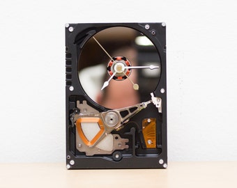 Desk clock - recycled Computer hard drive clock- HDD clock - gift gor him - ready to ship - c6754