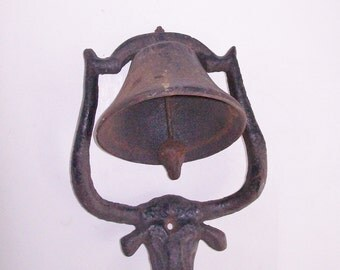 Vintage Dinner Bell Cast Iron Texas Long Horn Bull Head Ranch Bell Porch Bell Wall Mount Cast Iron Clapper