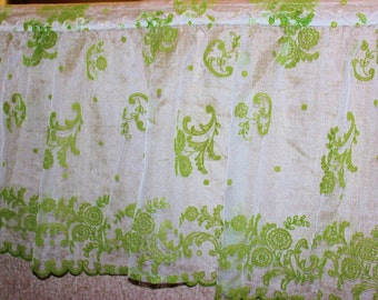 Vintage Kiwi green white Flocked wind Valance