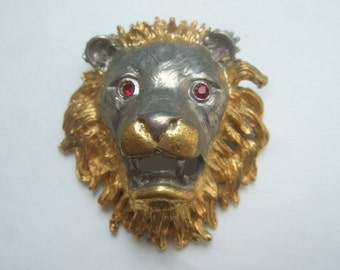 Stylized Mixed Metal Lion Head Brooch c 1970s