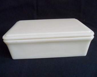 Vintage McKee glass covered dish 8 X 5 X 2 cream color